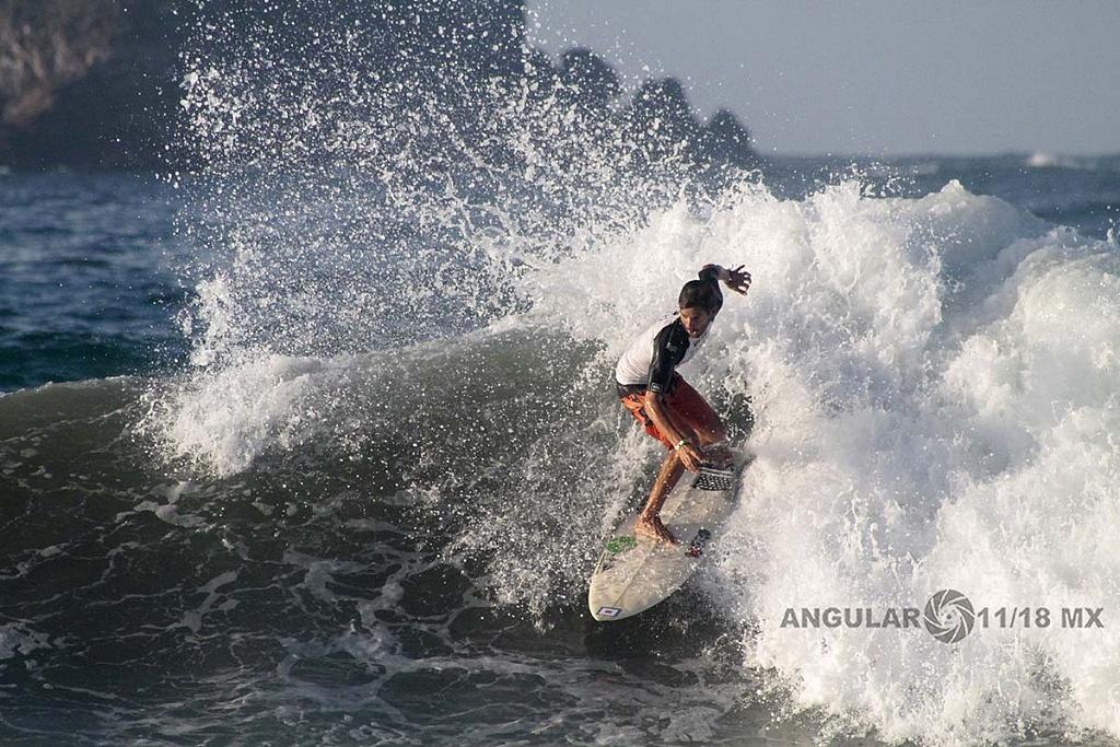 GoPro Surf Open Ixtapa Zihuatanejo 2018 playa escolleras Heats Clsificatorios