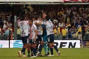Gudiño Raúl Portero del Guadalajara tras atajar el penal que le da el empate a su equipo
