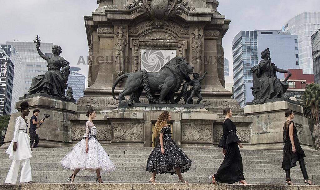 MBFW Primavera-Verano, 2019 pasarela monumento Ángel de la Independencia, diseñador, Benito Santos