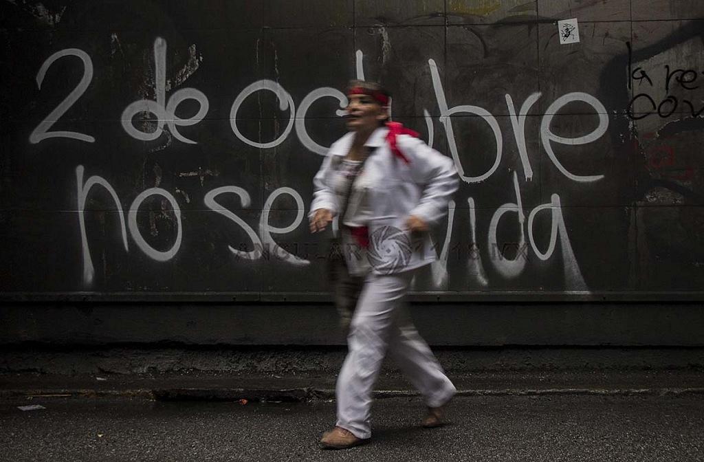 pintas, con motivo de la marcha del 2 de octubre conmemorando la trajedia de la plaza de las tres culturas en tlateloco donde asesinaron a estudiantes en 1968