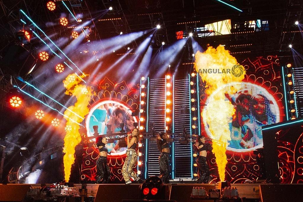 Anitta en el concierto por los 25 años de Telehit en el Estadio Azteca,