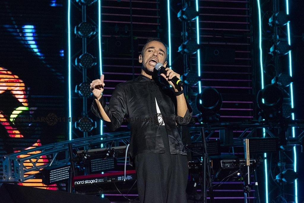 Café Tacvba en el concierto por los 25 años de Telehit, en el Estadio Azteca