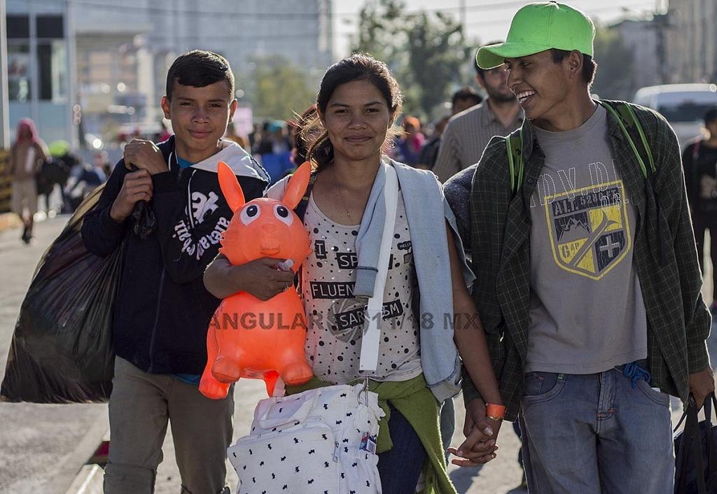 Familia Migrante de Honduras que se dirige hacia la frontera de Estados Unidos