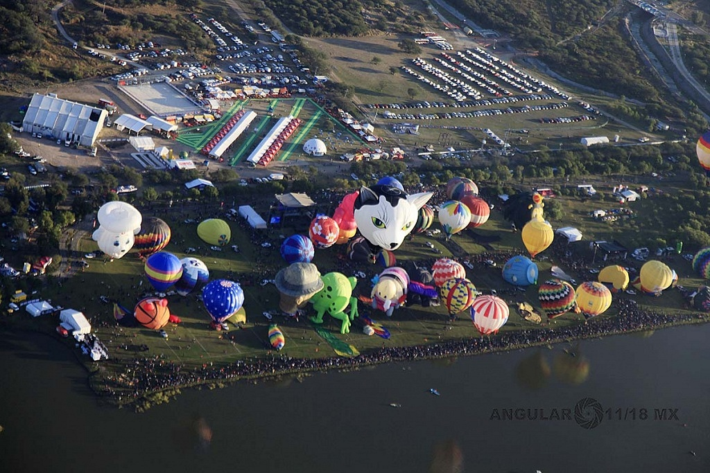 Festival Internacional del Globo 2018 León Guanajuato, vista aeréa desde un globo de la zona de despegue del parque Metropilitano