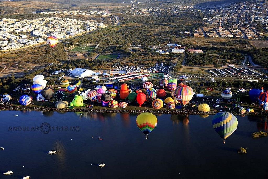 Festival Internacional del Globo 2018, León Guanajuato, vista aeréa desde un globo de la zona de despegue parque Metropilitano