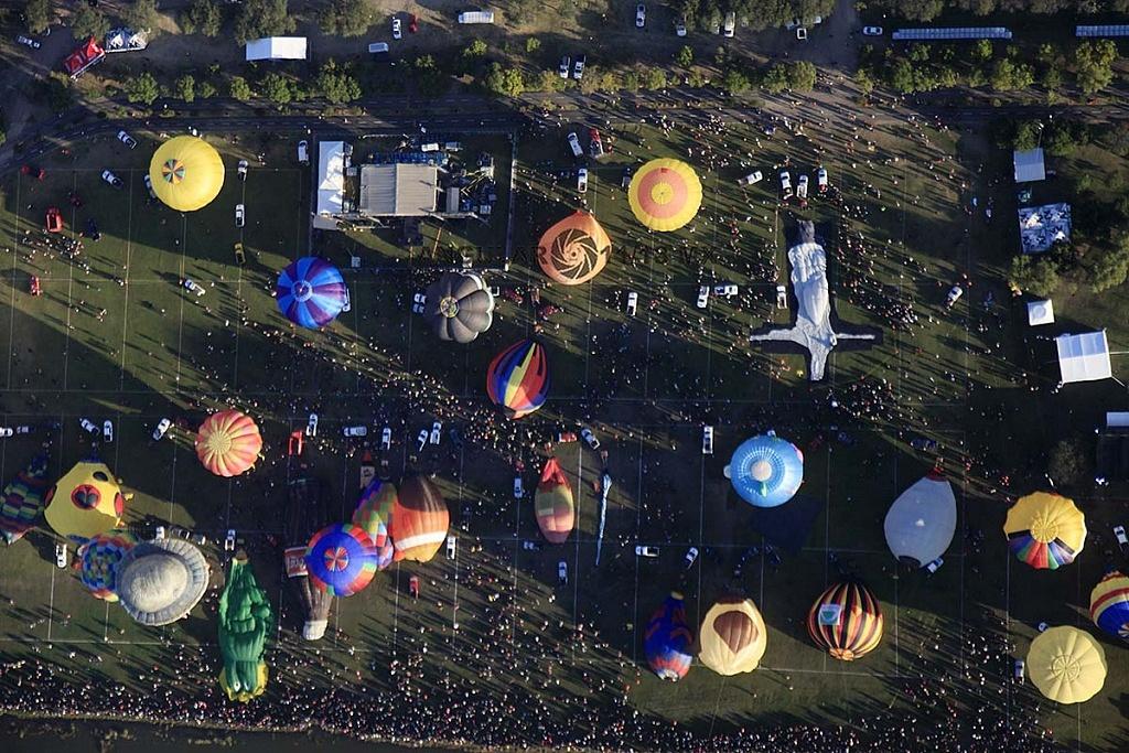 Festival Internacional del Globo 2018, León Guanajuato, vista aeréa desde un globo de la zona de despegue parque Metropilitano,