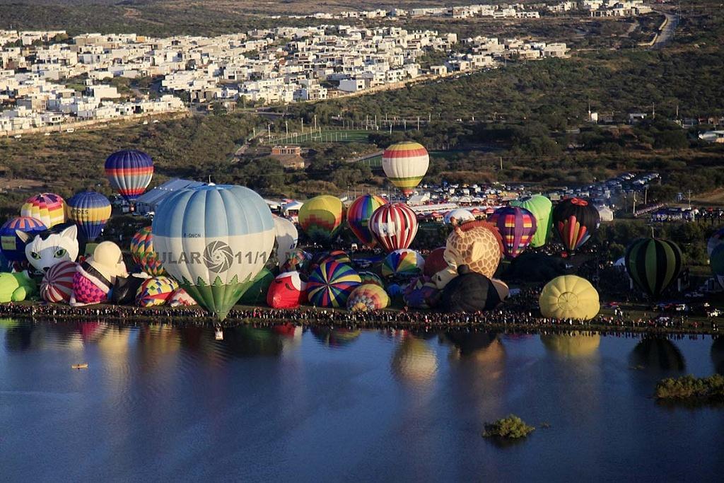 Festival Internacional del Globo 2018, León Guanajuato, vista aeréa desde un globo de la zona de despegue, parque Metropilitano