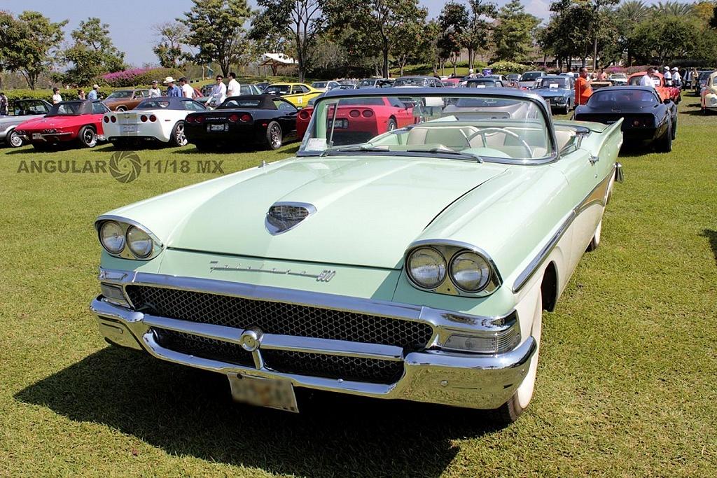 Festival VintageTercera Edición Jardines de México exhibición de autos clásicos y deportivos 2018