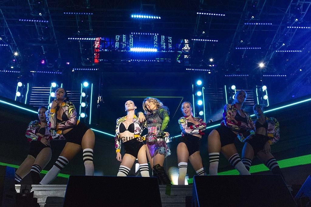 Fey, en concierto por los 25 años de Telehit en el Estadio Azteca