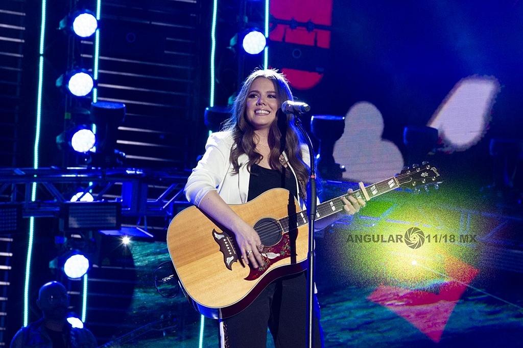 Jesse & Joy en concierto por los 25 años de Telehit en el Estadio Azteca