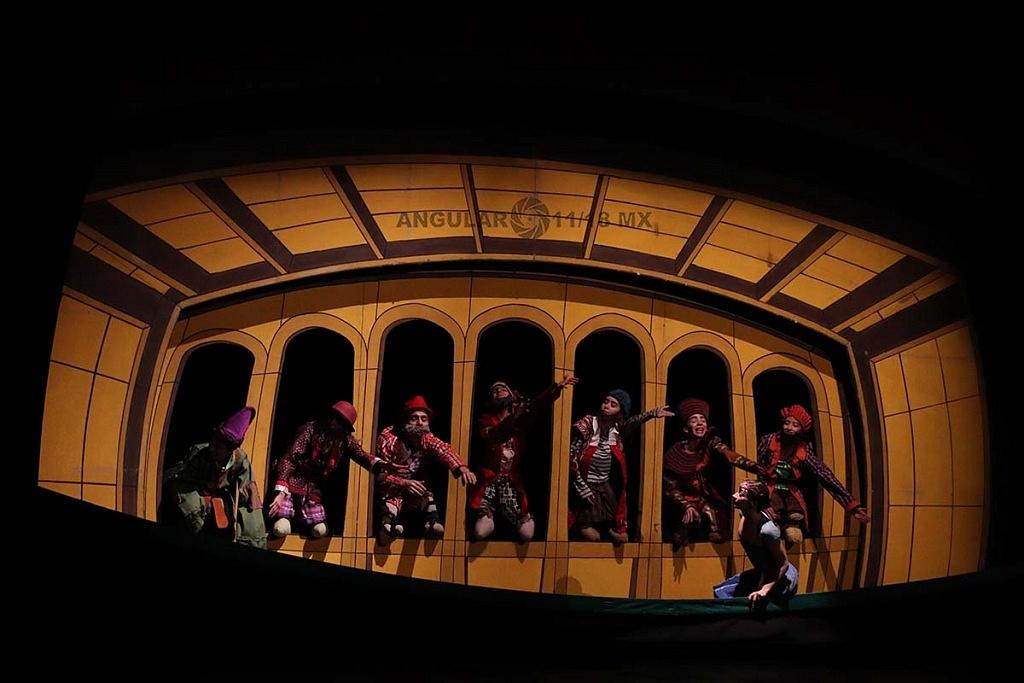 La Compañía Nacional de Danza presento Blancanieves, en el Teatro de la Ciudad Esperanza Iris este 17 de Noviembre, de 2018,