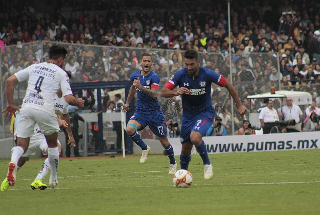 Pumas cae en casa frente a Cruz Azul, 1-2 en la jornada 15 del apertura 2018