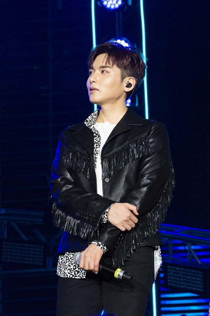 Super Junior el grupo coreano en concierto por los 25 años de Telehit, en el Estadio Azteca