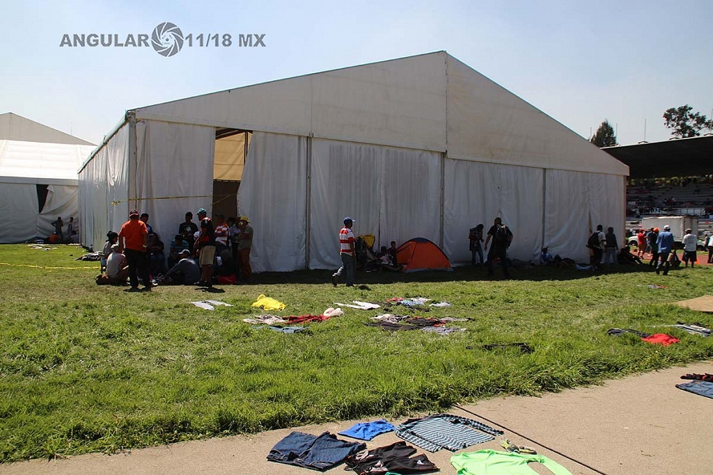 campamento de migrantes instalado en el estadio Jesús Martínez Palillo, en la ciudad de México