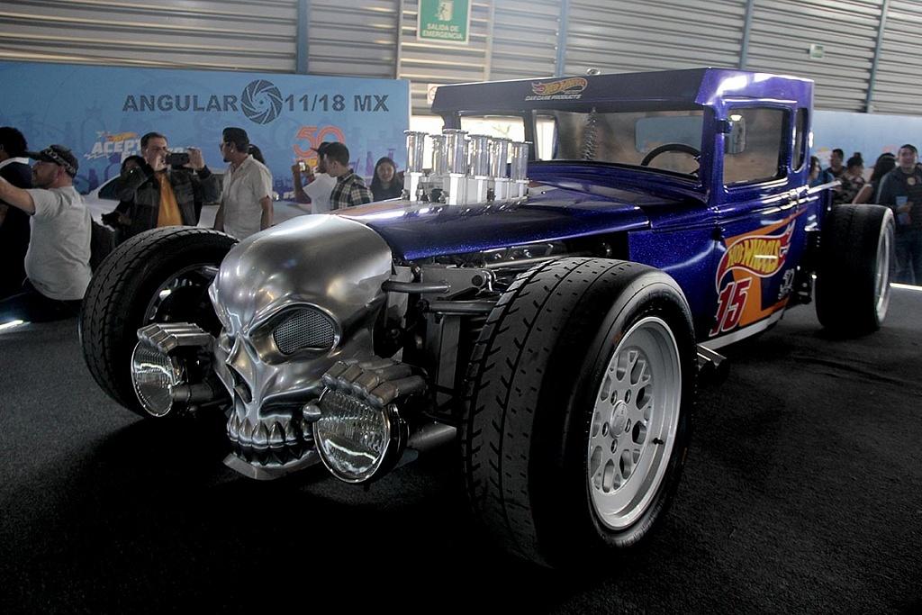 Auto Bone Shaker presentado con motivo de la celebración de los 50 años de Hot Wheels, en la 11ª edición del Salón Hot Wheels