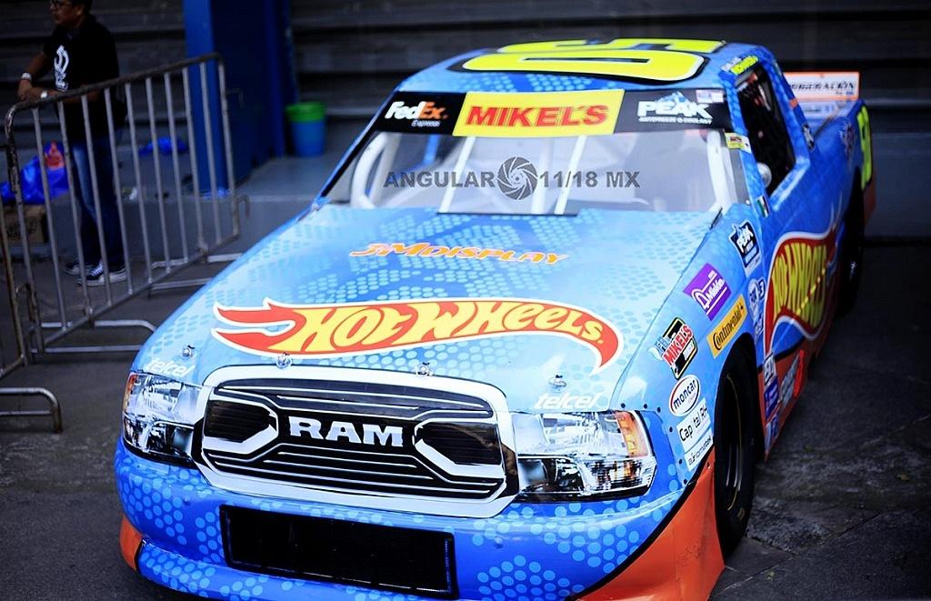 Auto NASCAR México presentado en la celebración por los 50 años de Hot Wheels en la 11ª edición del Salón Hot Wheels