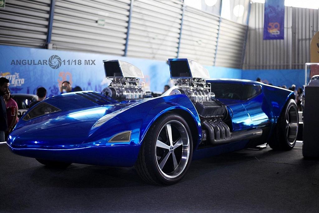 Auto Twin Mill presentado en la celebración por los 50 años de Hot Wheels en la 11ª edición del Salón Hot Wheels