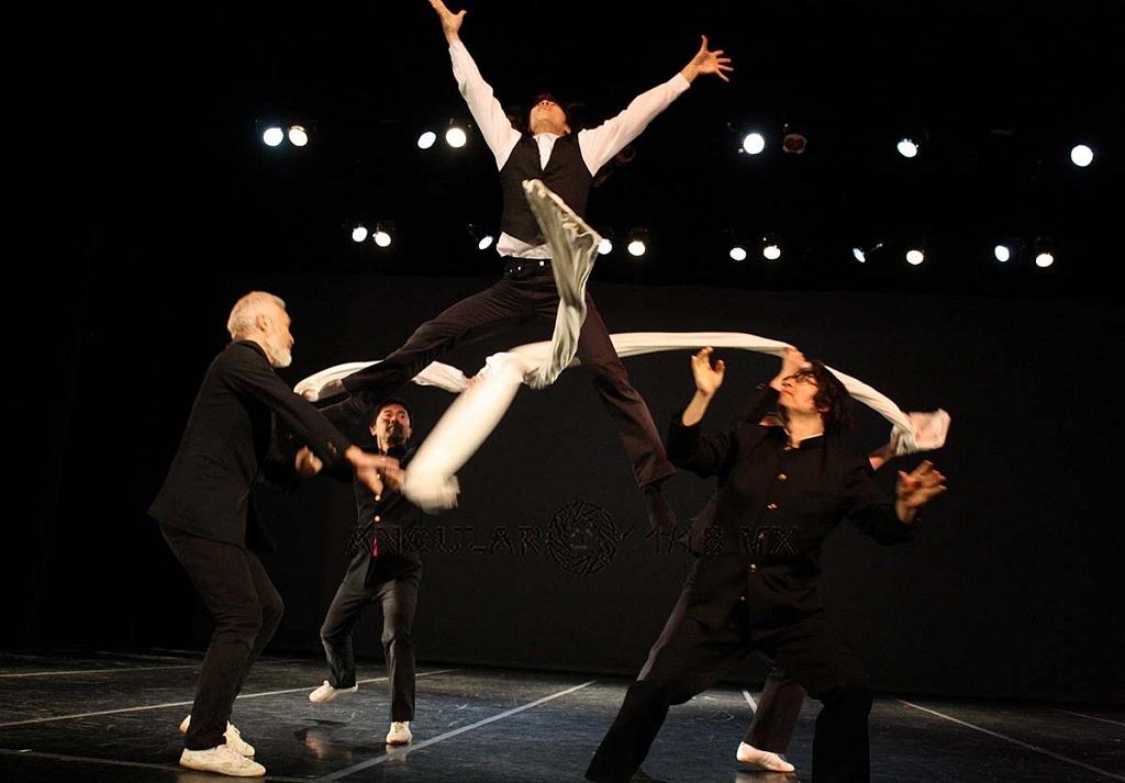 Condors compañía de danza contemporánea de Japón se presentó en México,