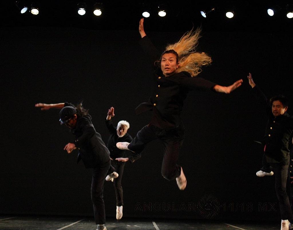 Condors compañía de danza de Japón se presentó en la CDMX