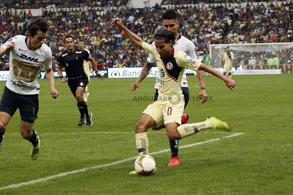 Diego Lainez Leiva en la semifinal de la Liga MX, Apertura 2018 frente a Pumas en el partido de vuelta