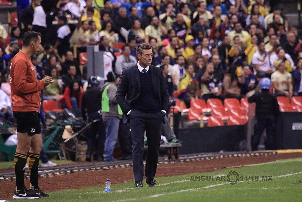 Director Técnico de Cruz Azul Pedro Caixinha