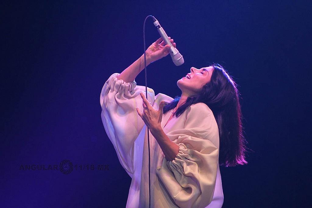 Ely Guerra, en el concierto Voces de Mujeres, en la plancha del Zócalo de la Ciudad de México,