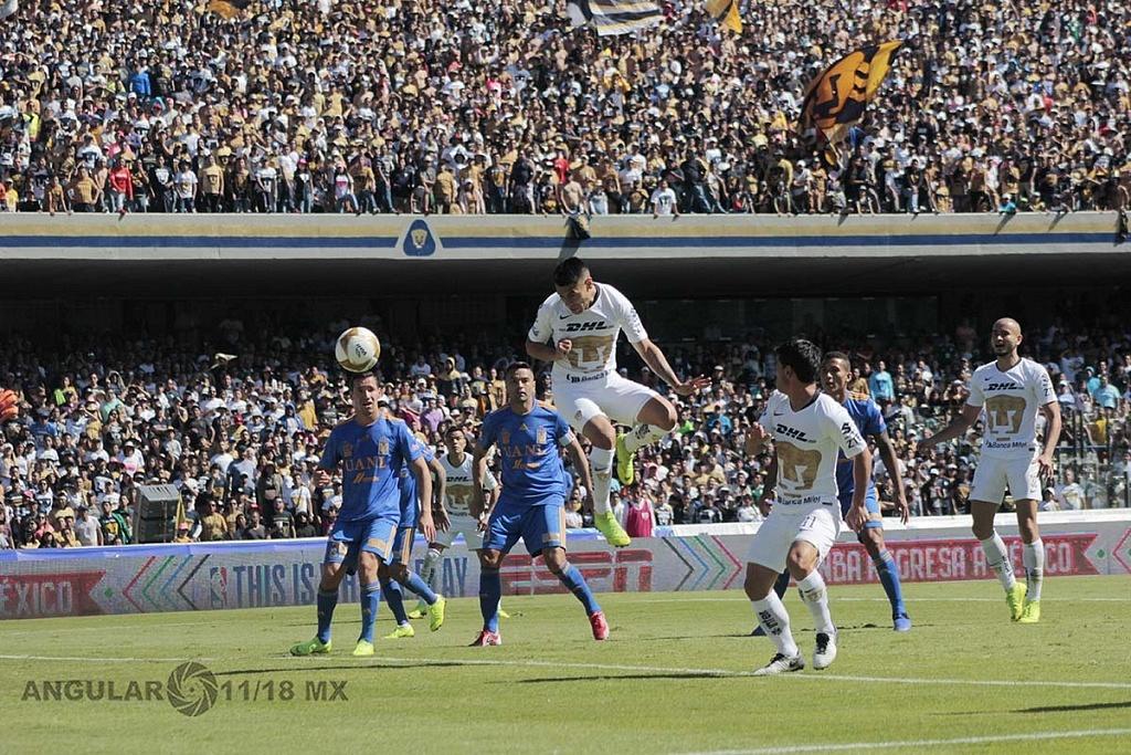 Felipe Mora colocó el segundo gol de cabeza para pumas frente a tigres en los cuartos del final del apertura 2018