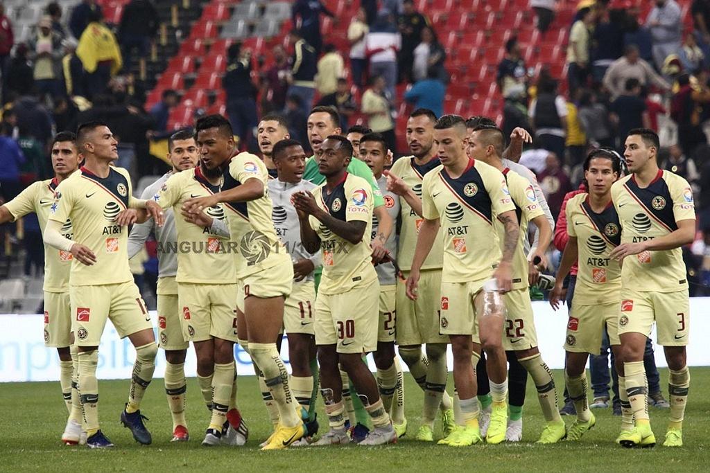 Las Águilas del América festejan el triunfo frente a los Pumas en el partido de vuelta en la semifinal de la Liga MX Apertura 2018