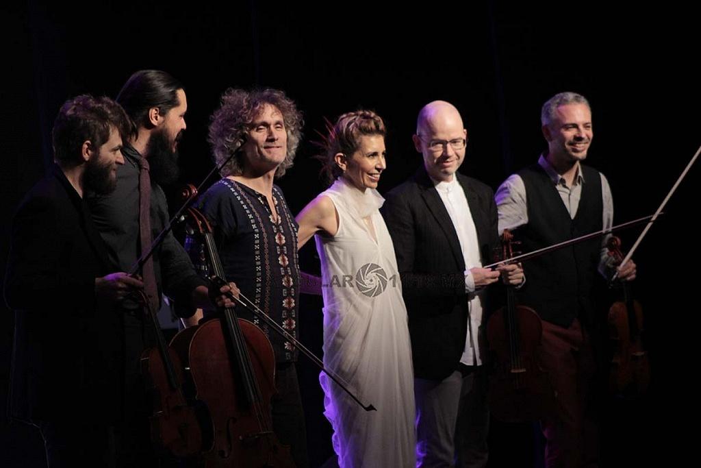 Magos Herrera y Brooklyn rider en concierto en el Teatro Esperanza Iris