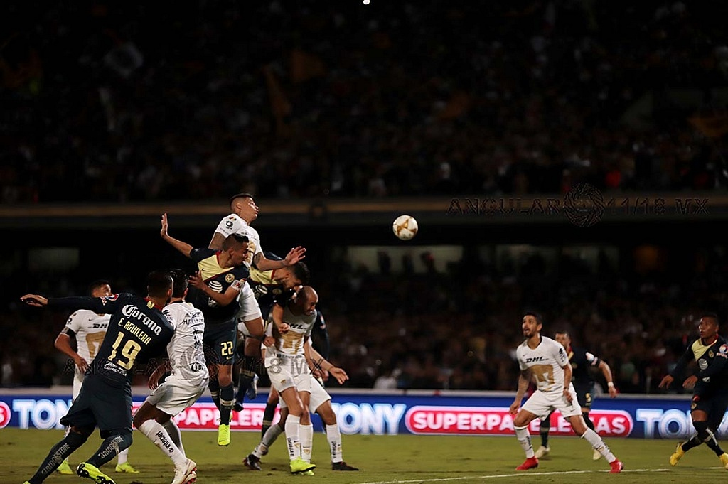 Pumas y el América empatan 1-1 en el juego de ida de las semifinales del torneo de la liga mx apertura, 2018 jugada dividida