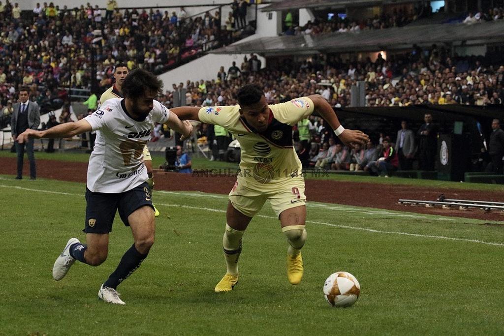 Roger Martínez delantero del América en la semifinal de la Liga MX Apertura 2018 frente a Pumas en el partido de vuelta,