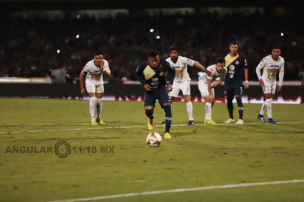Roger Martínez falla el penalti ante los pumas en el juego de semifinal del torneo de la liga mx apertura 2018