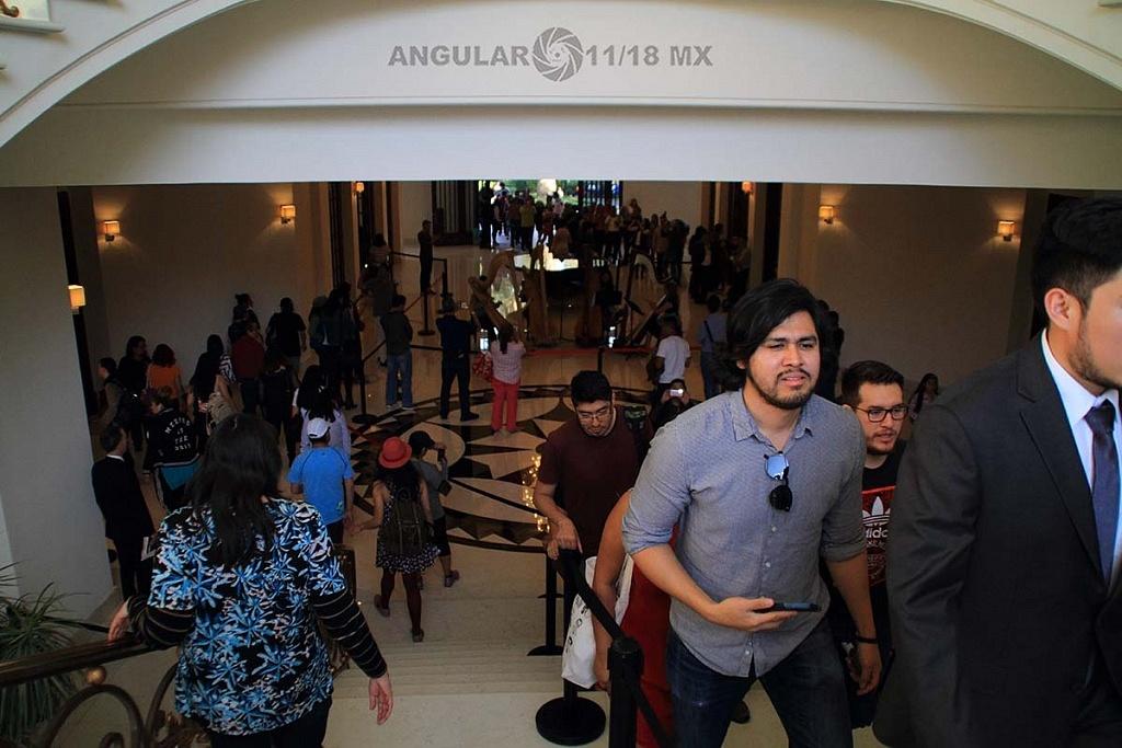 abren a todo el público la Residencia Oficial de Los Pinos vestíbulo y escaleras
