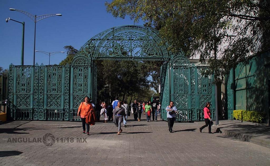 abrieron a todo el público la Residencia Oficial de Los Pinos este sabado 1 de diciembre de 2018 entrada principal