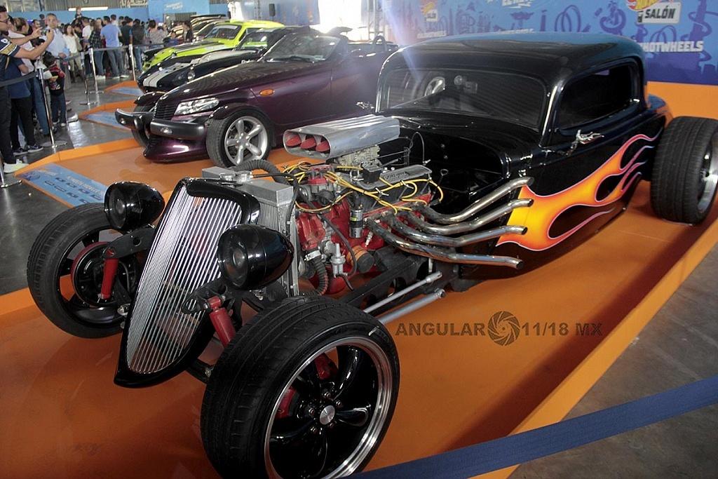 exhibición de coches en la 11ª edición del Salón Hot Wheels CDMX