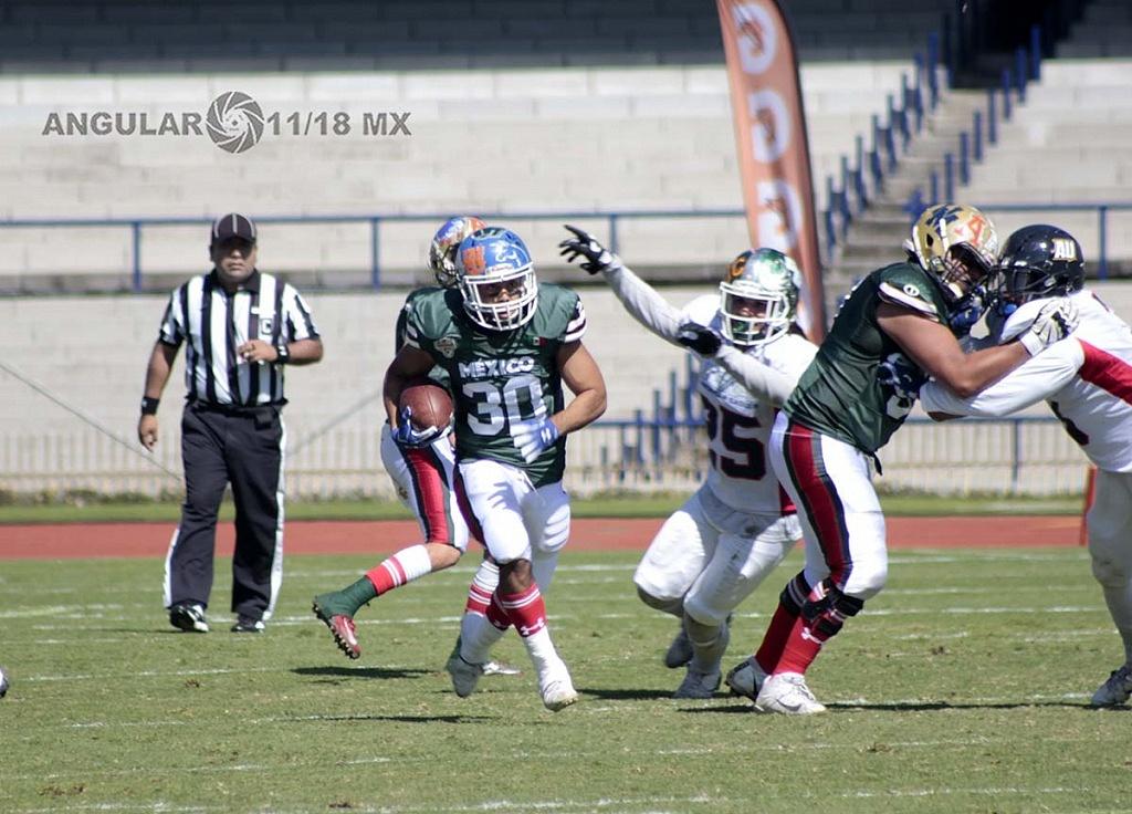 la selección de México le gana a Estados Unidos en la 45ª edición del Tazón Azteca, en el estadio Olímpico Universitario