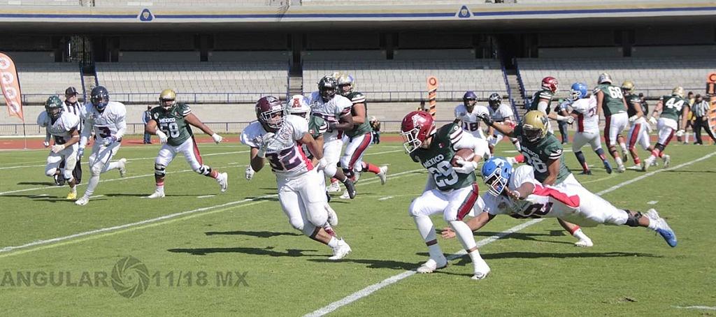 la selección de México le gana a Estados Unidos en la 45ª edición del Tazón Azteca, en el estadio Olímpico Universitario.