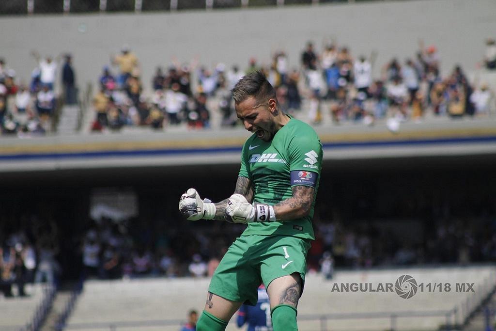 Alfredo Saldivar Portero de los Pumas festejando el gol de los Universitarios frente al Monterrey en la Jornada 5 del clausura 2019