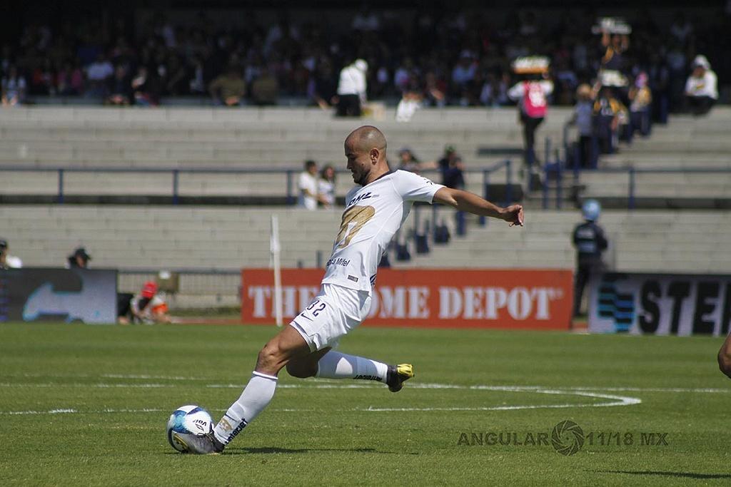 Delantero de Pumas Carlos Gabriel González en la jornada 5 del Clausura 2019