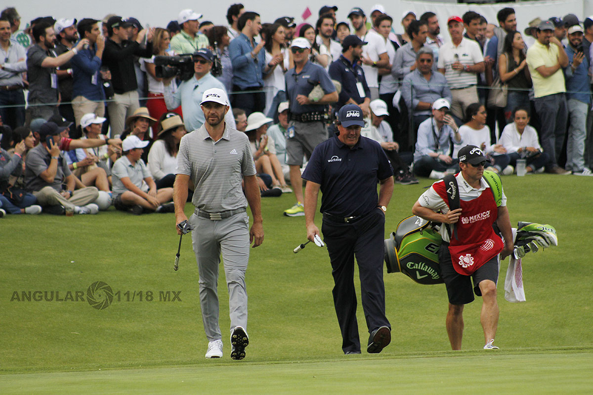 Dustin Johnson y Phil Mickelson en la segunda ronda del World Golf Championships México 2019