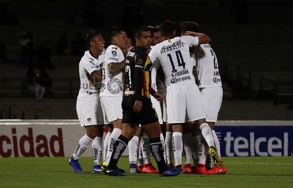 Festejo del Gol de Pumas frente a los Leones Negros
