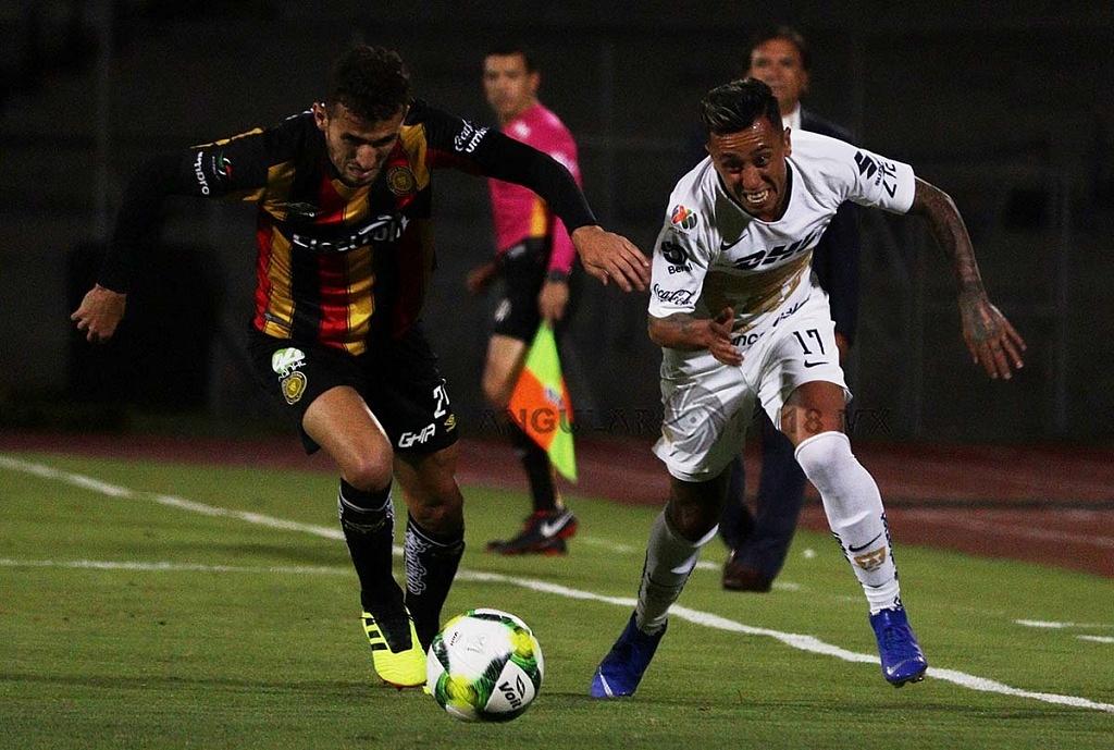 Los Pumas Vencieron a los Leones Negros, en la Copa MX 2-1 jugada dividida