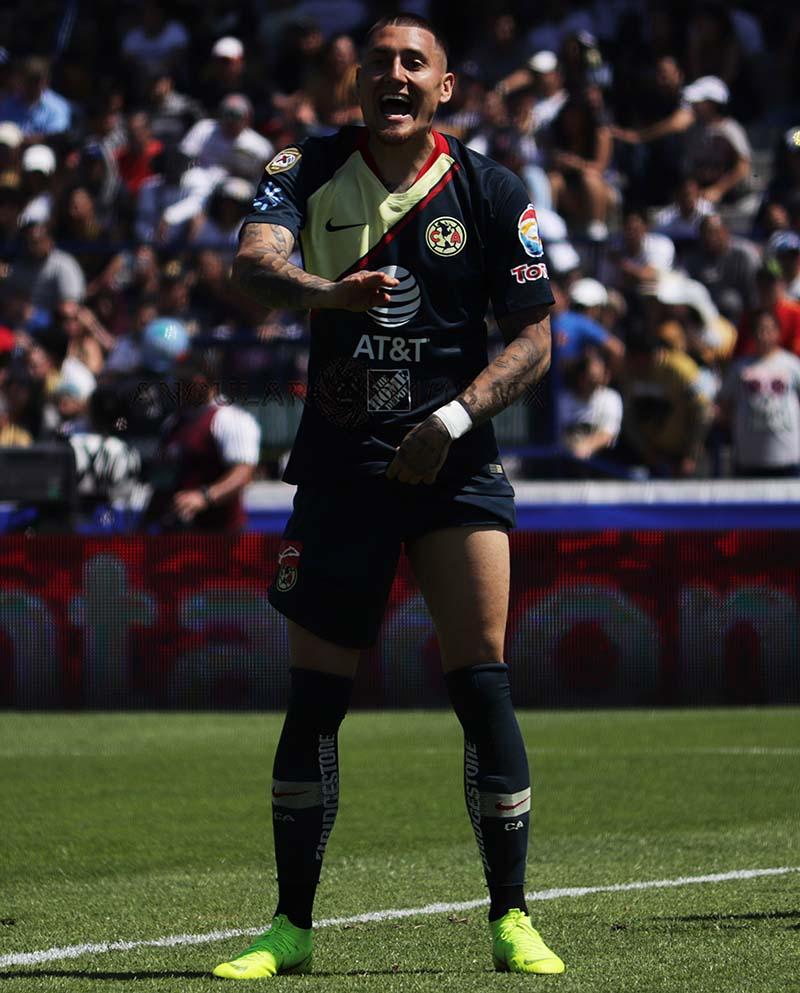 Nicolas Castillo atacante del América durante el juego de la jornada 7 frente a Pumas estadio Olímpico Universitario