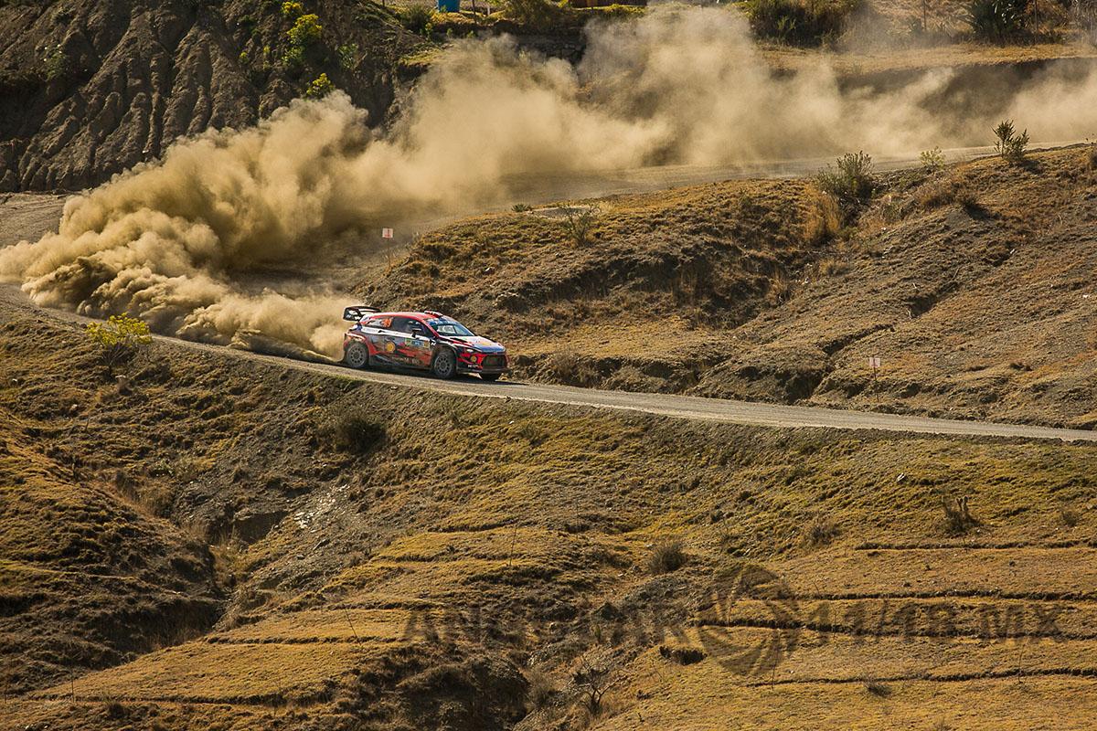 Auto numero 11 del equipo Hunday, piloto T, Neuville y su copiloto N, Gilsoul, 16° Rally Guanajuato México,