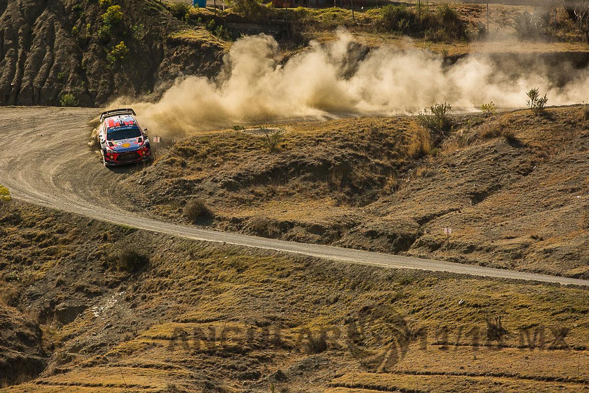 Auto numero 11, del equipo Hunday, piloto T, Neuville y su copiloto N, Gilsoul 16° Rally Guanajuato México,