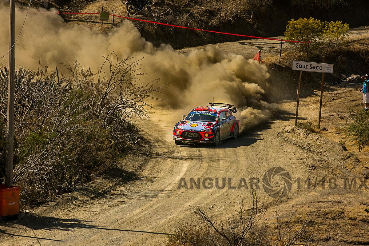 Auto, numero 11, del equipo Hunday, piloto T, Neuville y su copiloto N, Gilsoul, 16° Rally Guanajuato México,