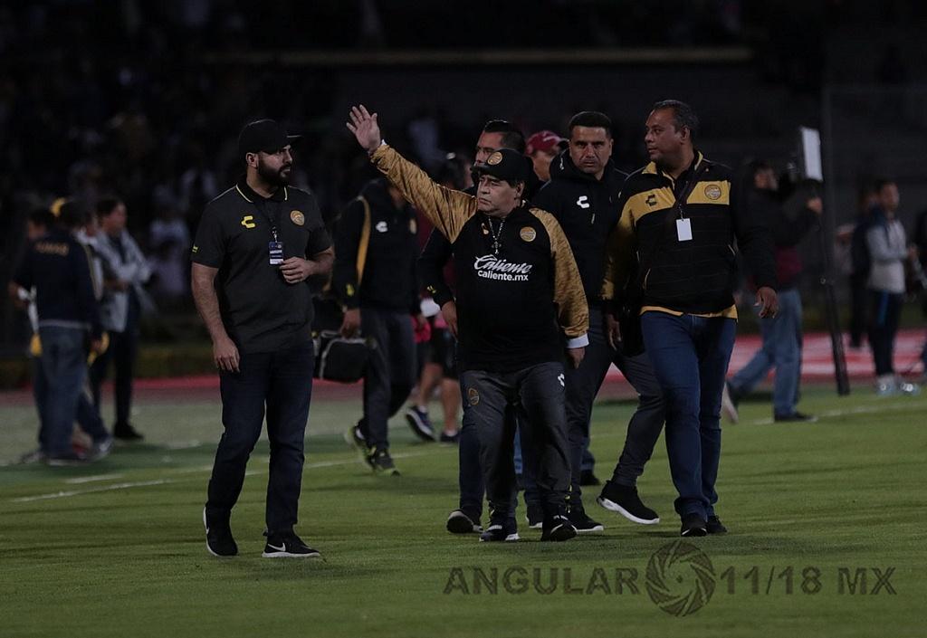 Diego Armando Maradona, Director Técnico del Equipo Dorados de Sinaloa en el estadio Olimpico Universitario