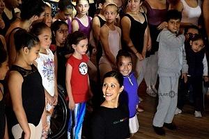 Elisa Carillo después de la clase en el Salón los Angeles 3